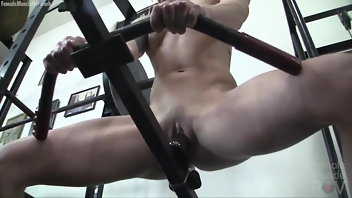 Small Tits Muscular Women Dildo